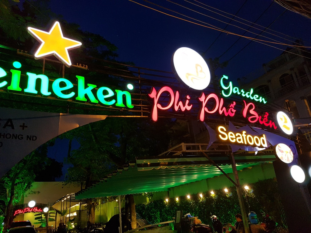 Biển quảng cáo quán hải sản đẹp
