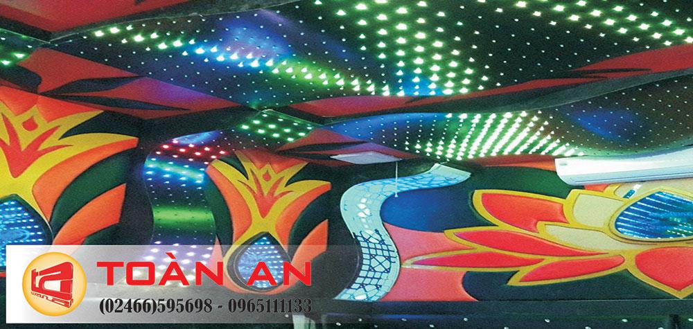 Mẫu phòng hát đẹp dùng led full màu