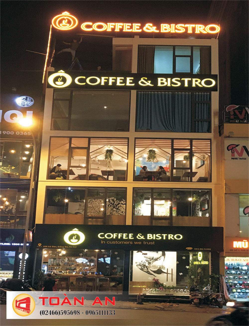 Tổng thể biển quảng cáo quán cà phê Bistro Xã Đàn