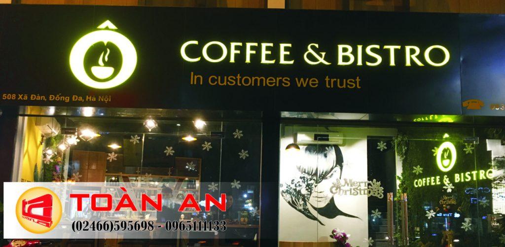 Biển quảng cáo quán cà phê