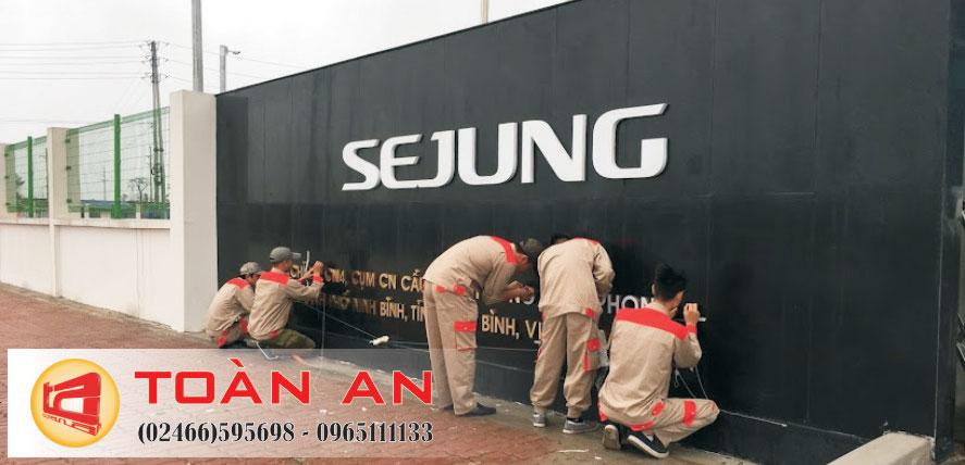 Thi công lắp đặt logo SeJung tại Ninh Bình