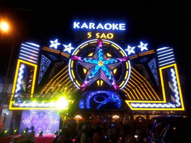 bảng hiệu quán karaoke