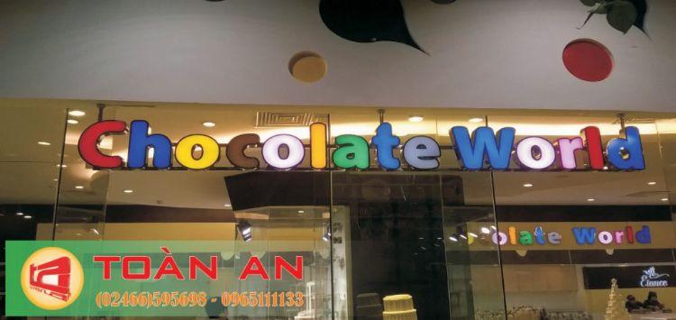 làm biển hiệu cửa hàng tại hà nội