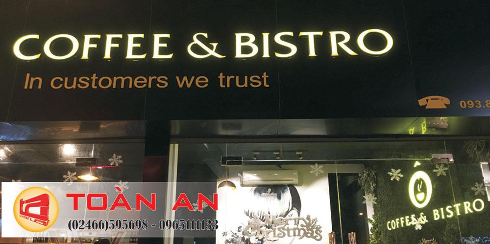 Biển quảng cáo quán cà phê Bistro Xã Đàn tầng 1